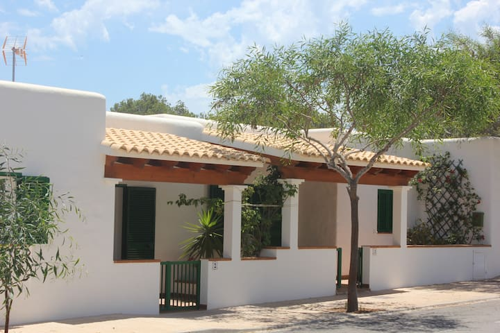 VIVIENDAS TURISTICAS JOSEFA - La Savina-Formentera - House