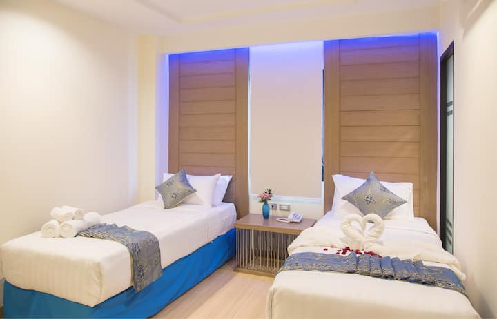 Boutique Twin Bedroom on Sukhumvit
