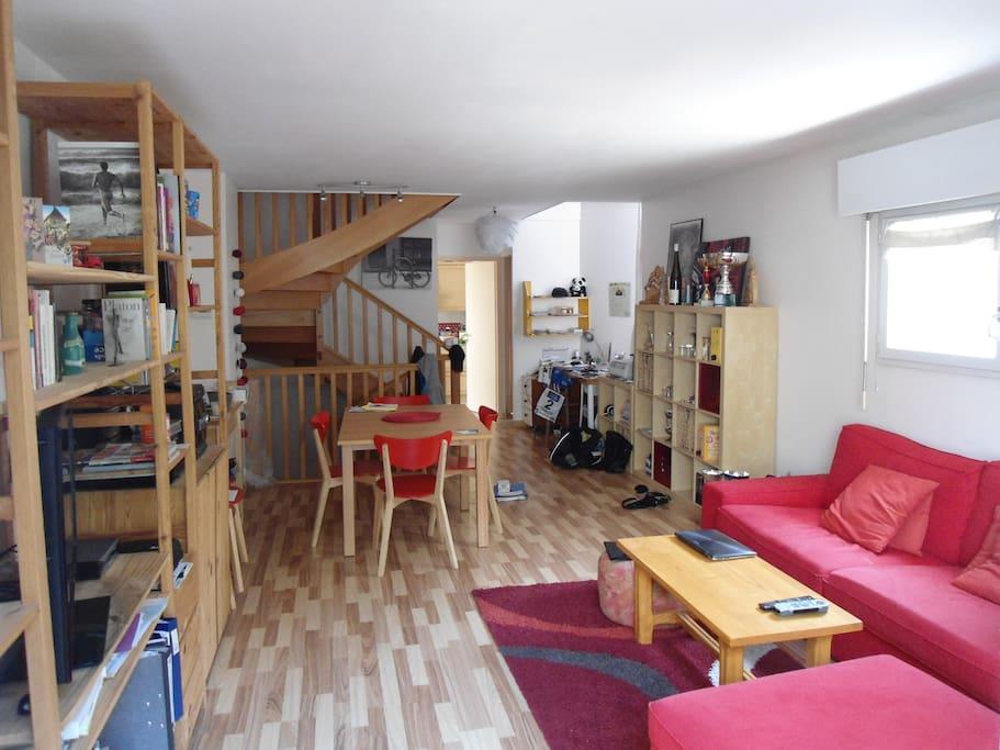 maison centre ville calme maisons louer chamb ry rh ne alpes france. Black Bedroom Furniture Sets. Home Design Ideas