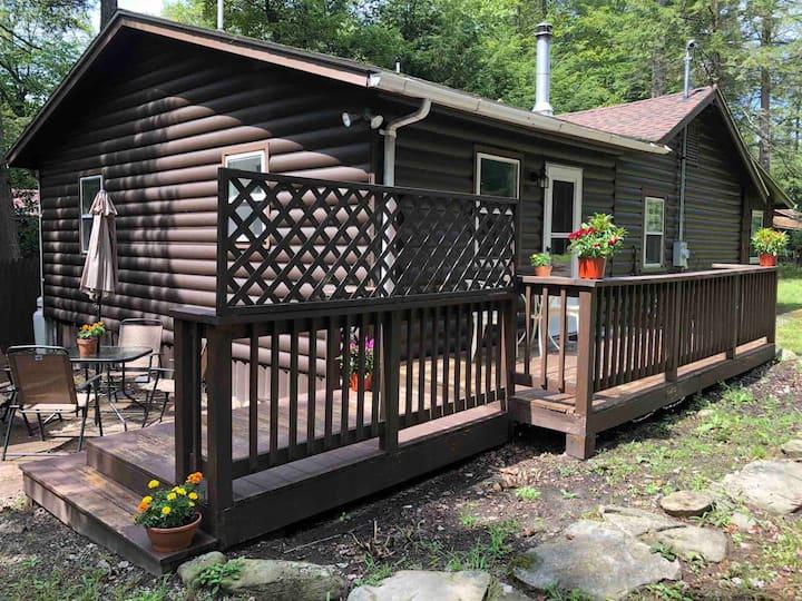 Zen Smallwood Cabin Pets Welcome Near Bethel Woods