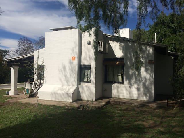 VILLA ALLENDE - CASA VILLA MARA - Villa Allende - Dům