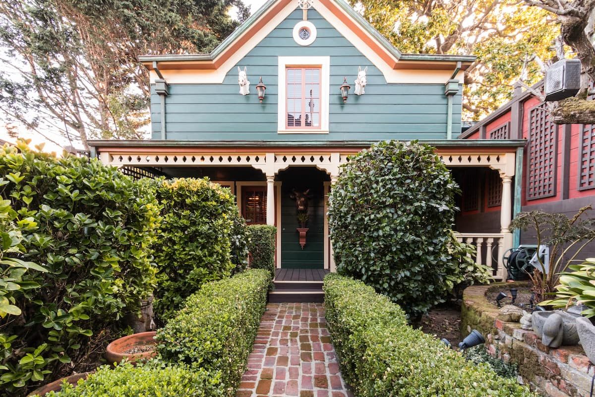 Period Carriage House with San Francisco Charm