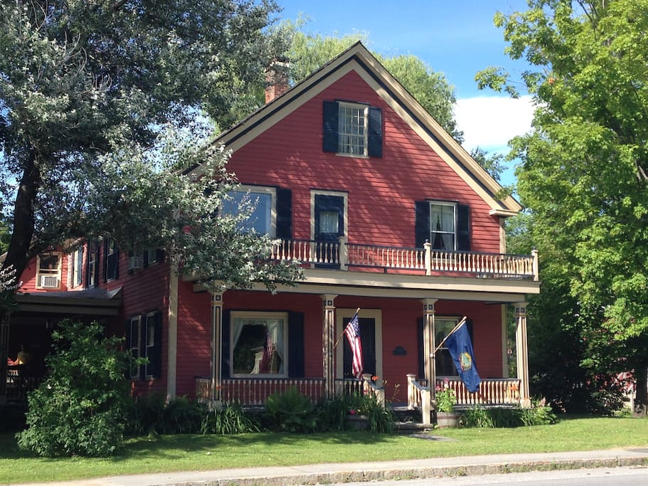 Quintensential vermont getaway houses for rent in for Cost of building a house in vermont
