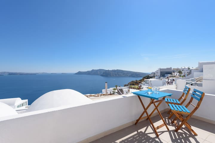 Sweet onLava Oia - Superb View NO Steps Trf Incl