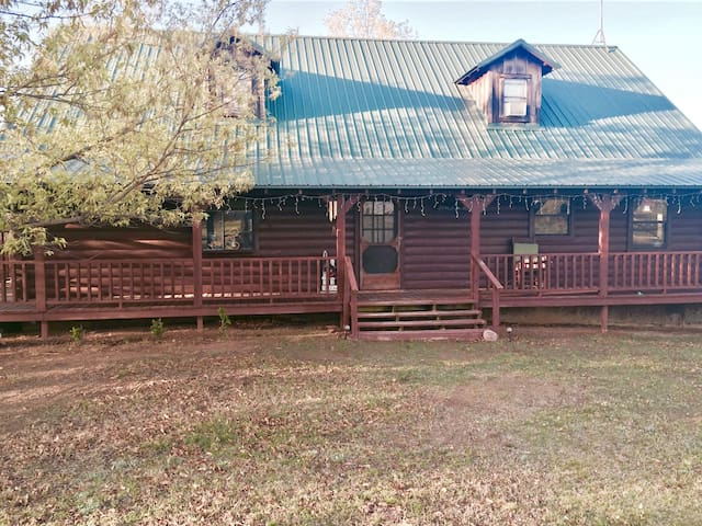 Batchelor Farms - Atoka - Cabin