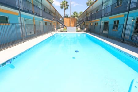 Mid century- Modern fully remodeled apartment - Tempe