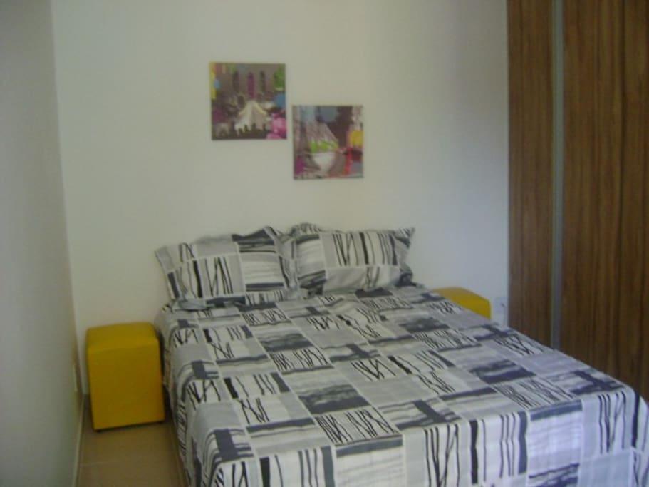 Quarto cama de casal