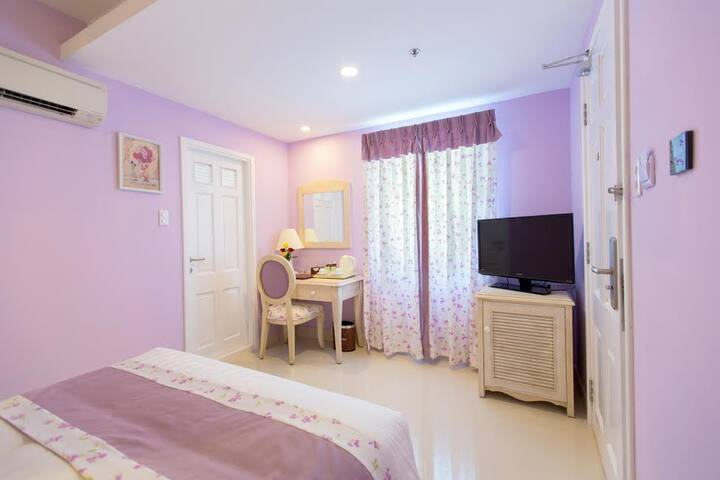 Vibrant and Nice room in Ho Chi Minh City