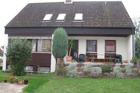 Wohnung in Einfamilienhaus - Scheßlitz - Lejlighed
