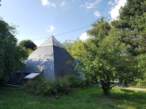 Grand studio dans une pyramide près de la Loire
