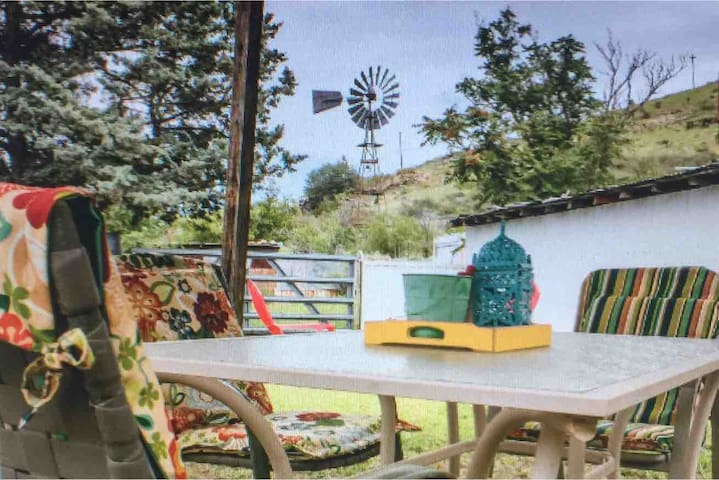 Mountain View,  Firepit, smart TV  in bdrm