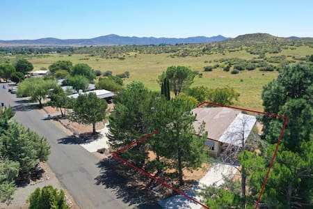 House up the Hill, Prescott Valley, Sleeps 10
