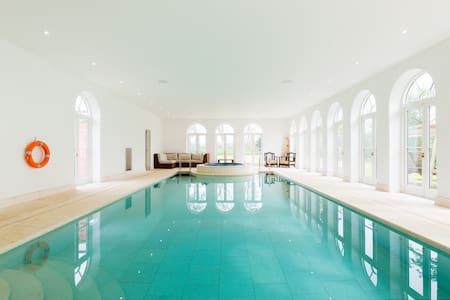 Cotswold Cottage, Pool & Spa, Jacuzzi, long stays