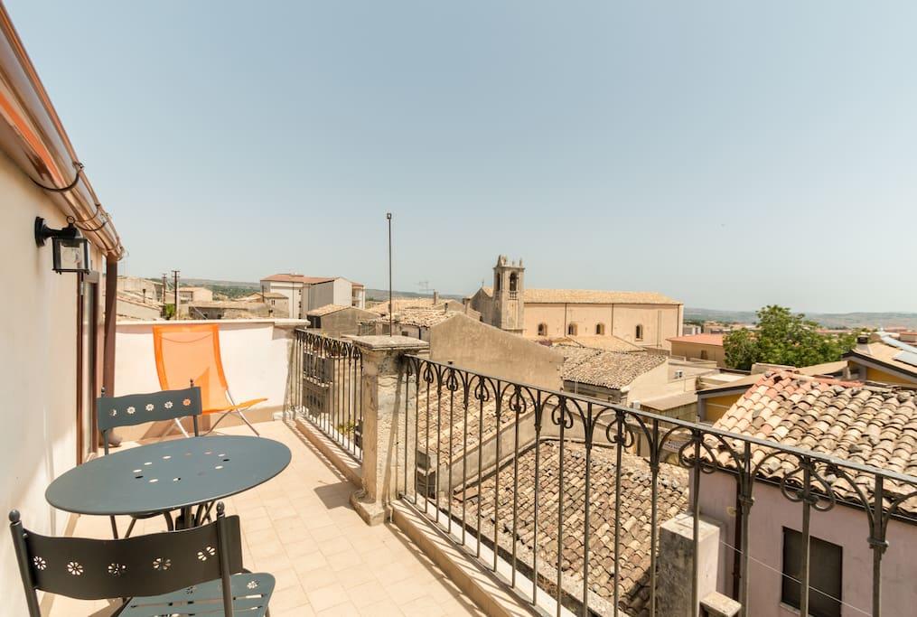 Atmosfere barocche appartamenti in affitto a palazzolo for Case affitto palazzolo