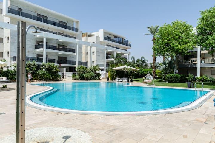 Pool  Terrace View - סגר שני = החזר כספי מלא