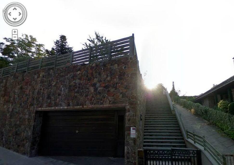 Entrada principal Main entrance from street