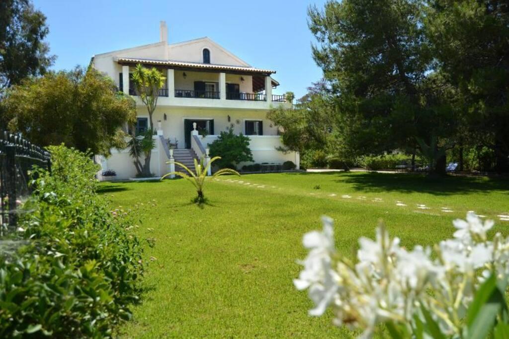 casa marharita from the front garden