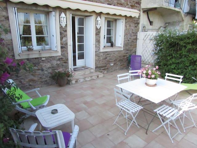 """Gîte """"Les Violettes"""" dans vignoble"""