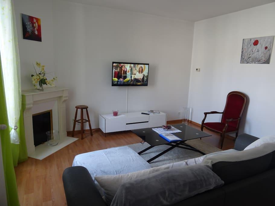 appartement centre ville vichy avec parking appartements louer vichy auvergne rh ne alpes. Black Bedroom Furniture Sets. Home Design Ideas