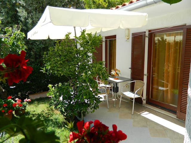 Family holidayhouse for 2-4 in Pula with Wi-fi