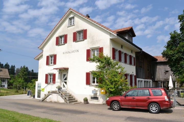 Rosengarten - Einliegerwohnung in Bauernhaus