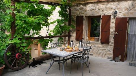 LE CORRAL : Chambres  et table d'hôtes  en Ardèche