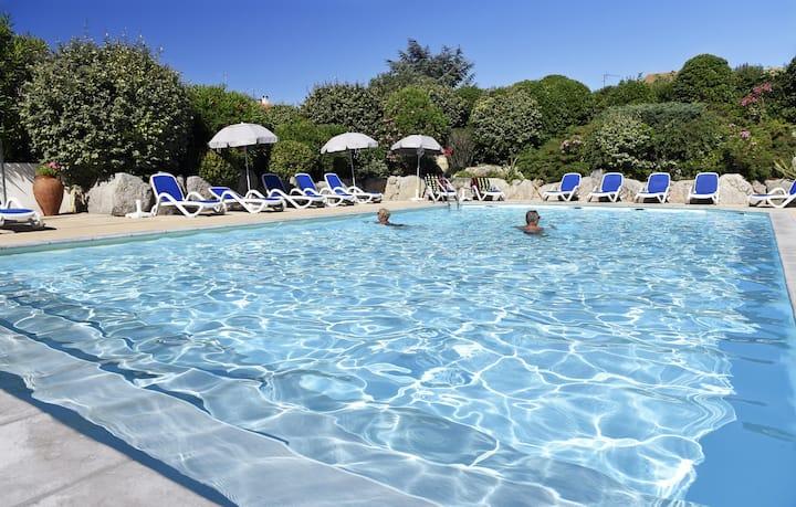 Studio Cosy avec piscine extérieure | Proche des thermes