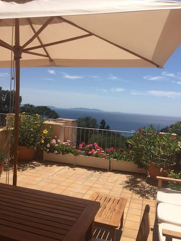 Appartement vue mer, 2 chambres, au calme - Rayol-Canadel-sur-Mer - Appartement
