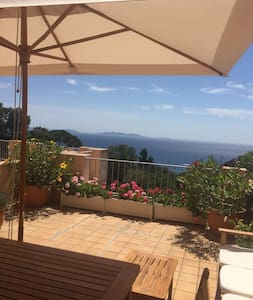 Appartement vue mer, 2 chambres, au calme - Rayol-Canadel-sur-Mer