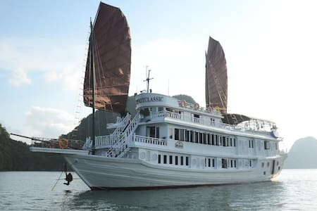 V'Spirit Classic Cruise - Hạ Long - Boot