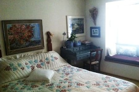 B&B with view of wooded hillside - Calistoga