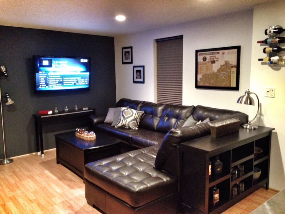 Leather Section and large TV with satelite TV and HBO