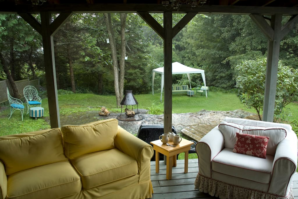 Enjoy a fire in the backyard, gazing at the stars and a beautiful hike to Chelsea creek from our backyard..