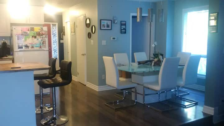 Private Room in Modern Furnished Waterloo Townhome