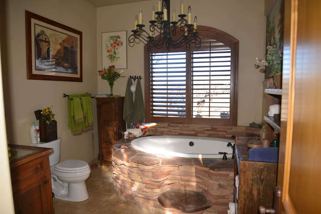 Guest Master Bathroom with large Jacuzzi.