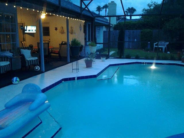 Florida Pool Home Close to Disney and Beaches - Lake Mary - House