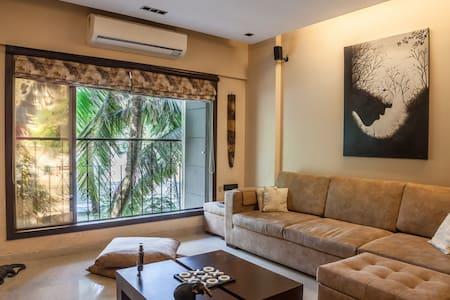 Modern 2 Bedroom Apt in Khar with Balconies & View