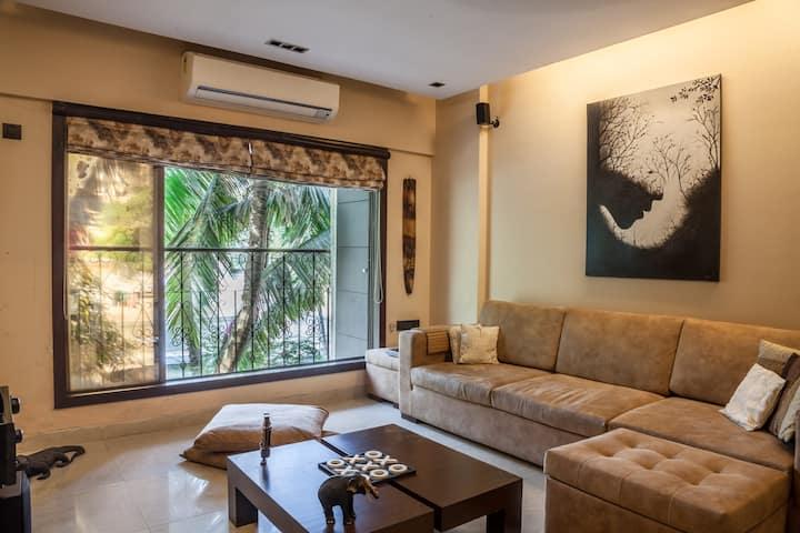 Modern 2 Bedroom Apt in Khar with Balconies & View
