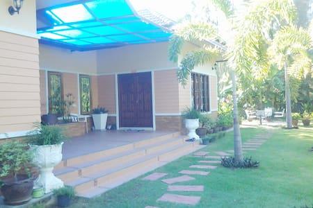 ANIE House, 1 Bedroom, 1.5 KM to the Beach - Choeng Thale