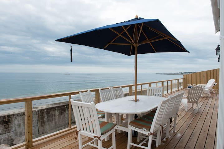 Pristine ocean front house with chefs kitchen. - Scituate - Ev