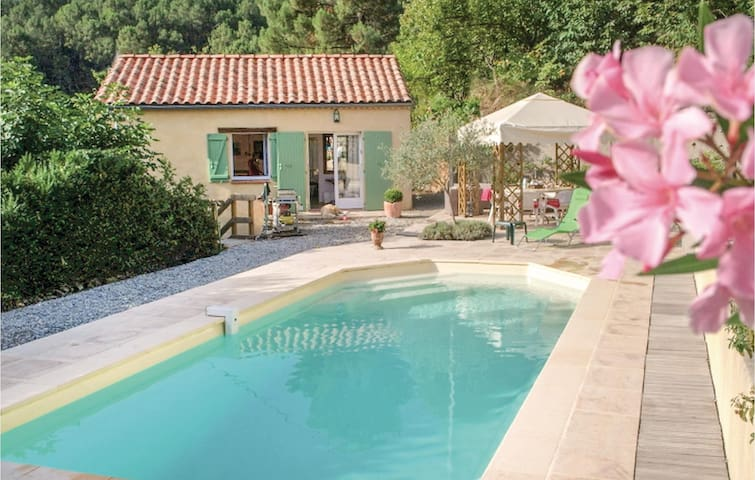Holiday cottage with 2 bedrooms on 95m² in Les Salles du Gardon