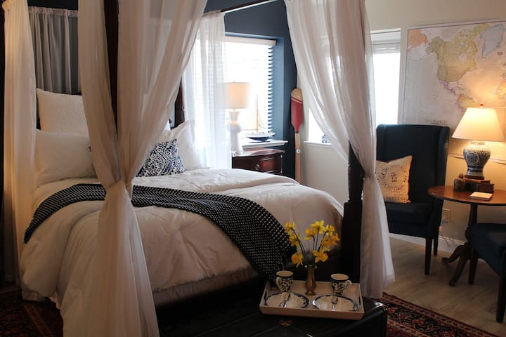Charming suite with private entrance