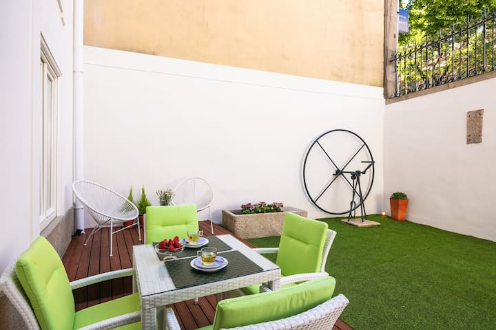 BEAUX ARTS PALACE APARTMENTS - GARDEN | AC | WI-FI