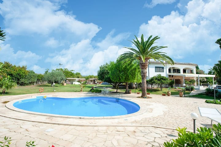 Spacious Villa in Modica with Swimming Pool