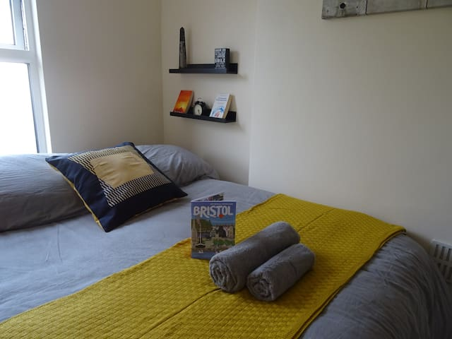 Quirky room in central Bristol, Stokes Croft