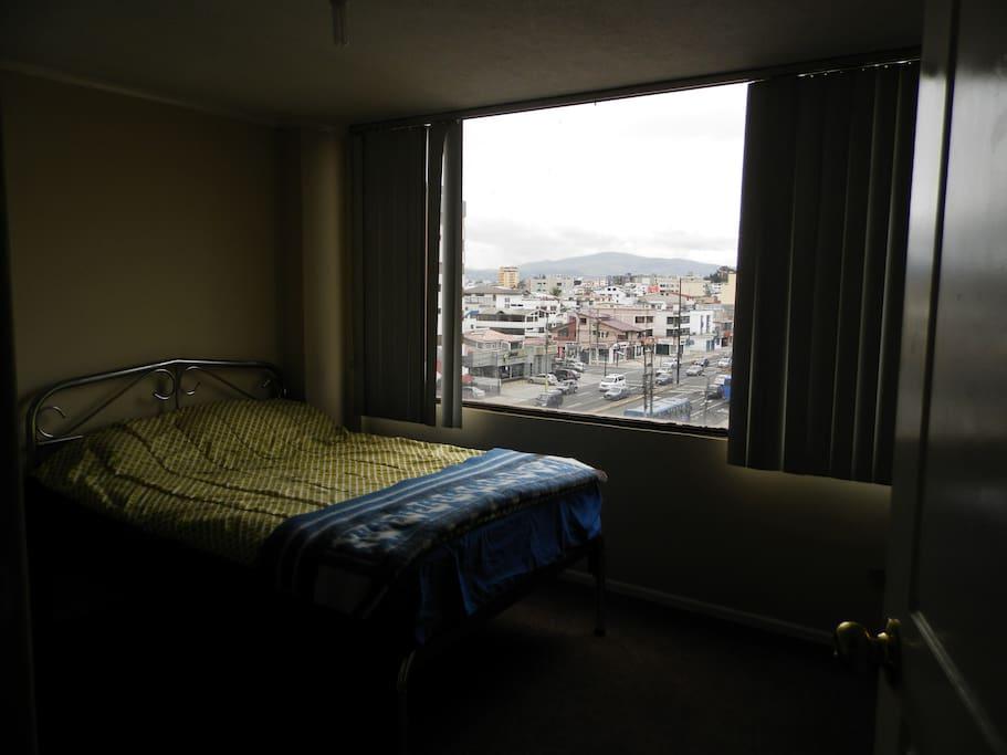 Amplio Ventanal donde acostados puede apreciar Quito