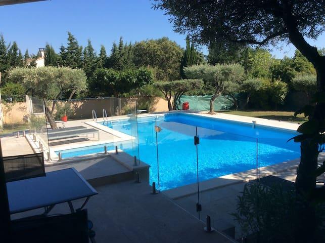 Maison de charme, grande piscine - Saint-Jean-de-Cornies