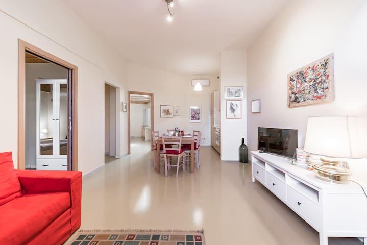Graziosa casa con spazio esterno.