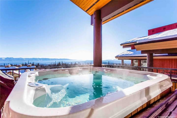 Raven's Reach Chalet - Ski-in with private hot tub