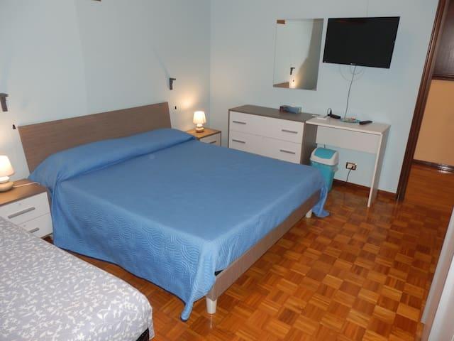 camera mia a B&B casa emilio, VENEZIA - BOLOGNA